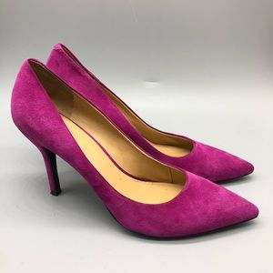Nine West fuchsia suede pointy toe pumps / heels